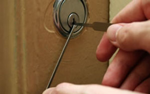 Door locks Hoddesdon